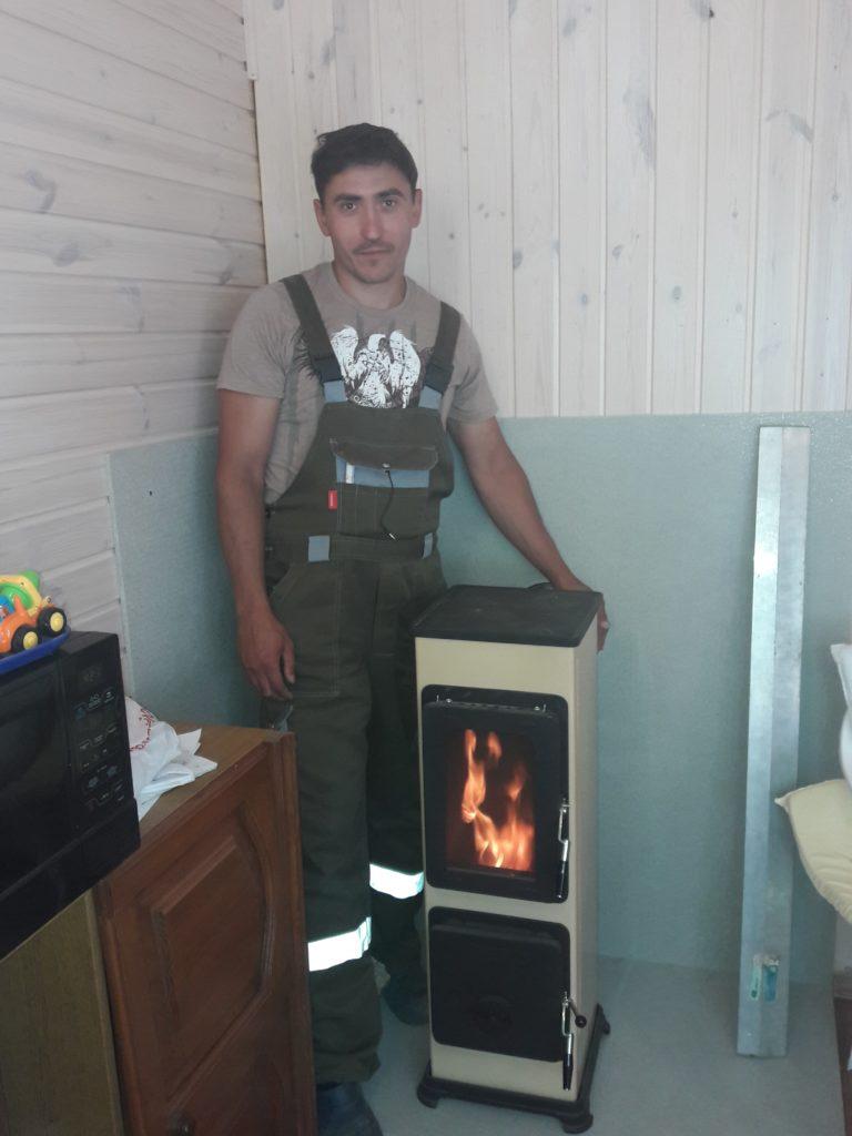 Печь металлическая Thorma? печь длительного горения, словакия, печник, горит огонь, стекло, металлическая печь с плитой