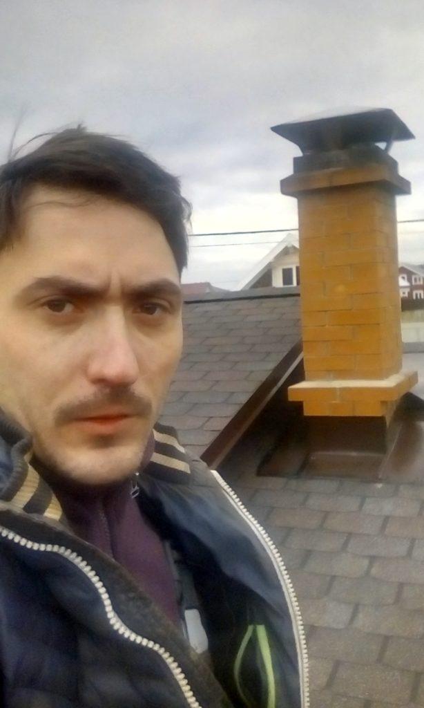 Печная труба, кирпичный дымоход, трубочист, печник, крыша дома, кровля, гибкая черепица