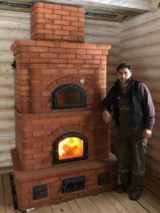 камин-печь, печная дверца везувий, духовая дверца везувий, термометр в печи,кладка каминопечи из красного кирпича